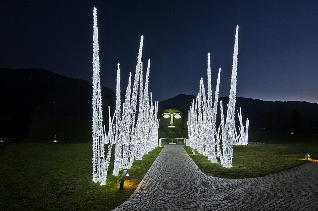 Австрия Музей Сваровски   Зеленые крыши